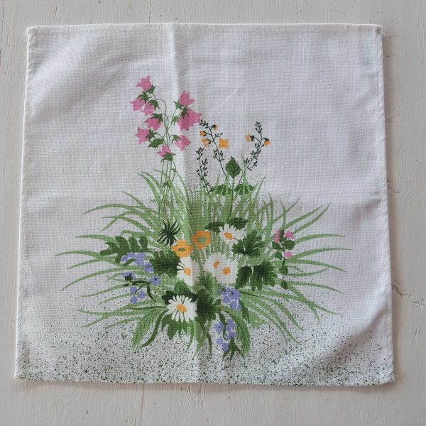 bordsduk-med-blommor-4
