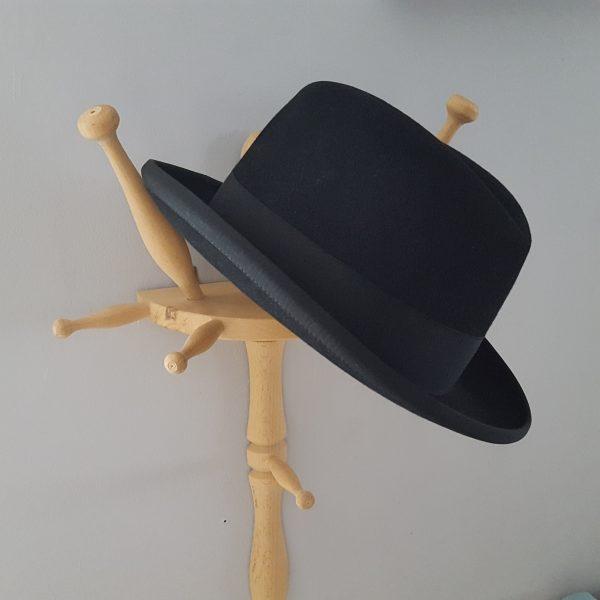 herrhatt-vintage-svart-homborg-modell-1