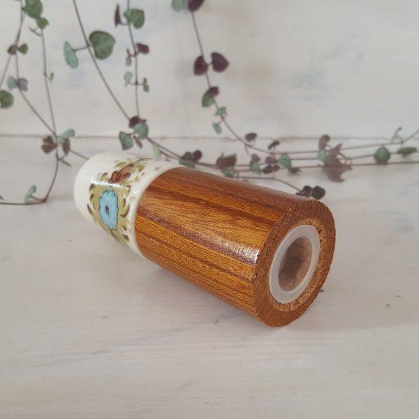 äggkoppar-&-saltströare-i-porslin-och-trä-6
