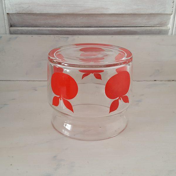 glasburk-med-röda-äpplen-retro-6