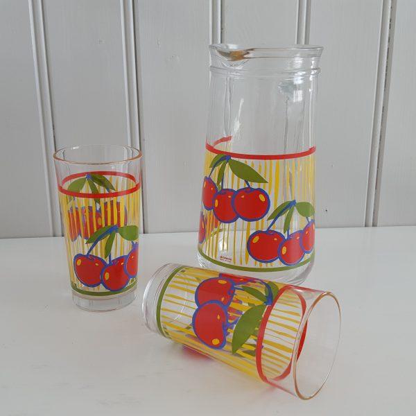 saftkanna-två-glas-körsbär-cerve-70-talet-4