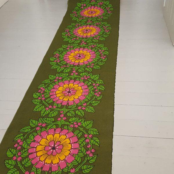 juteväv-med-textiltryck-blom-&-bär-retro-5