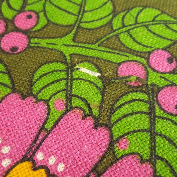 juteväv-med-textiltryck-blom-&-bär-retro-9