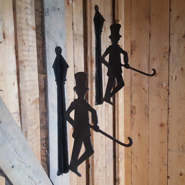 väggkrok-i-form-av-en-lykttändare-5