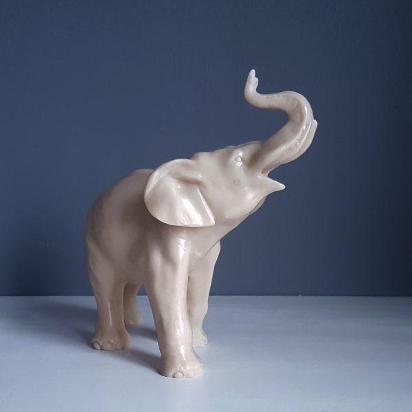 elefant-staty-benvitt-täljsten-2