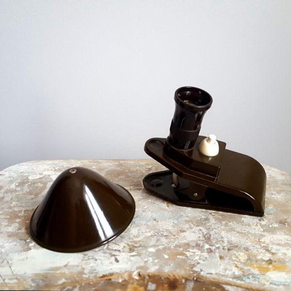 klämlampa-armé-grön-bakelit-vintage-5