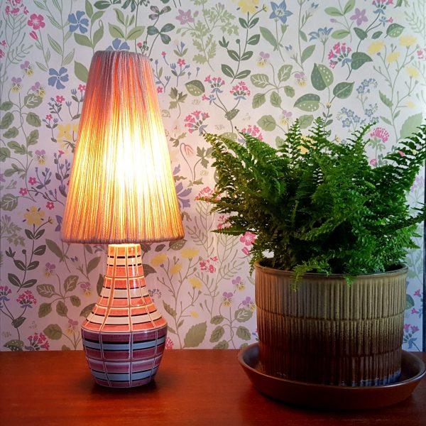 bordslampa-keramik-rosa-&-vit-vintage-1