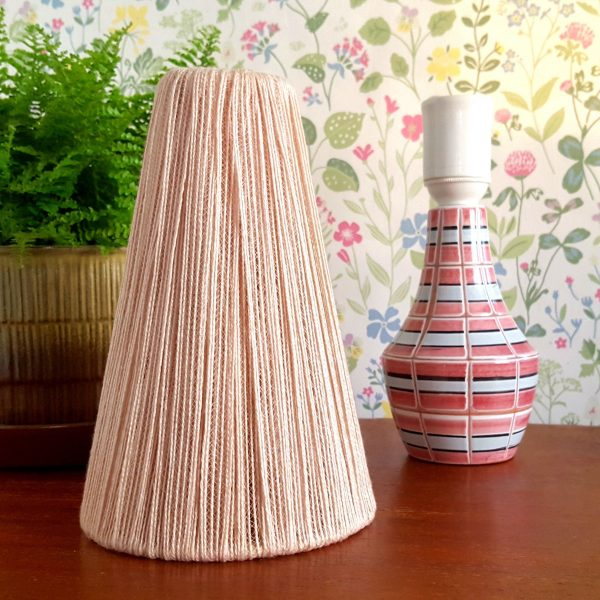 bordslampa-keramik-rosa-&-vit-vintage-10