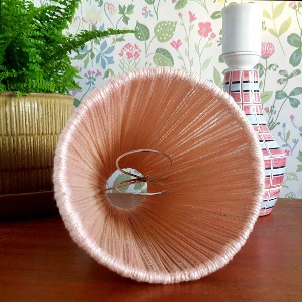 bordslampa-keramik-rosa-&-vit-vintage-8