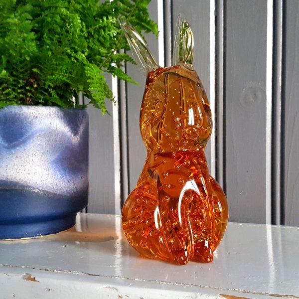kanin-hare-bärnstensfärgat-glas-gränna-glasbruk-2