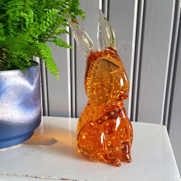 kanin-hare-bärnstensfärgat-glas-gränna-glasbruk-7