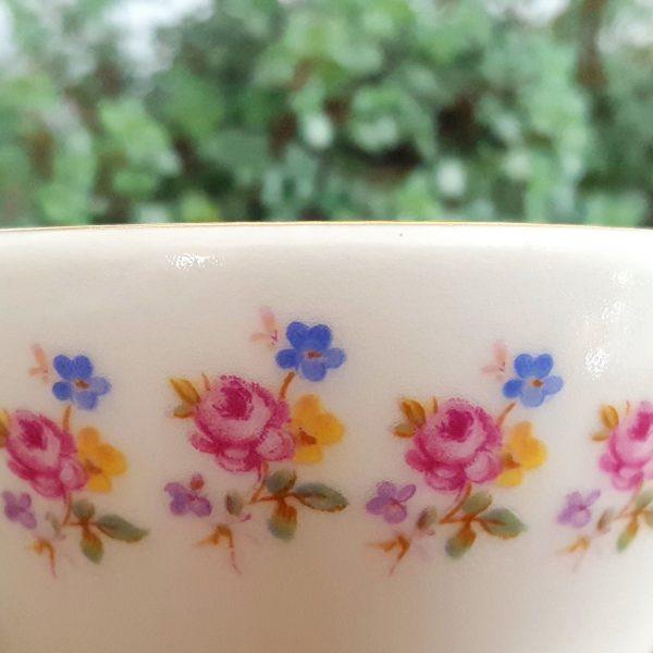 arabia-liten-vas-blomdekor-made-in-finland-2