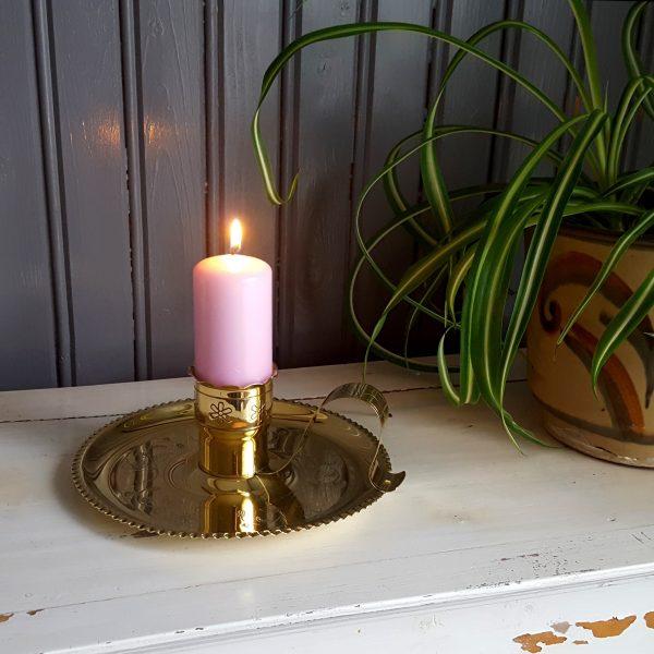 nattljusstake-mässing-graverad-blomdekor-vintage-10