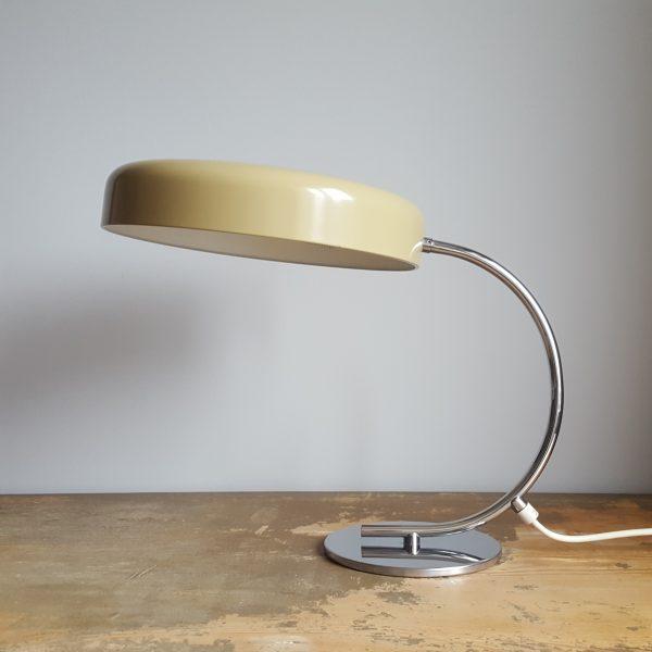 skrivbordslampa-bauhaus-stil-tyskland-70-talet-4
