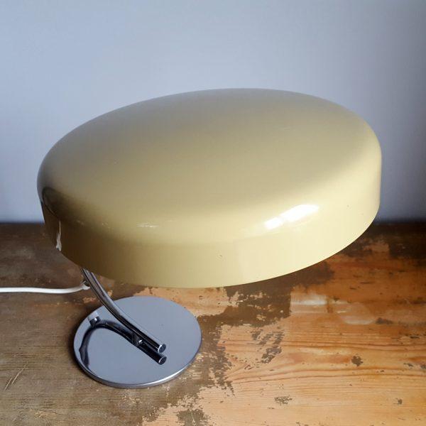 skrivbordslampa-bauhaus-stil-tyskland-70-talet-7
