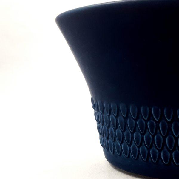 ytterfoder-pyrola-blå-rörstrand-hertha-bengtsson-8