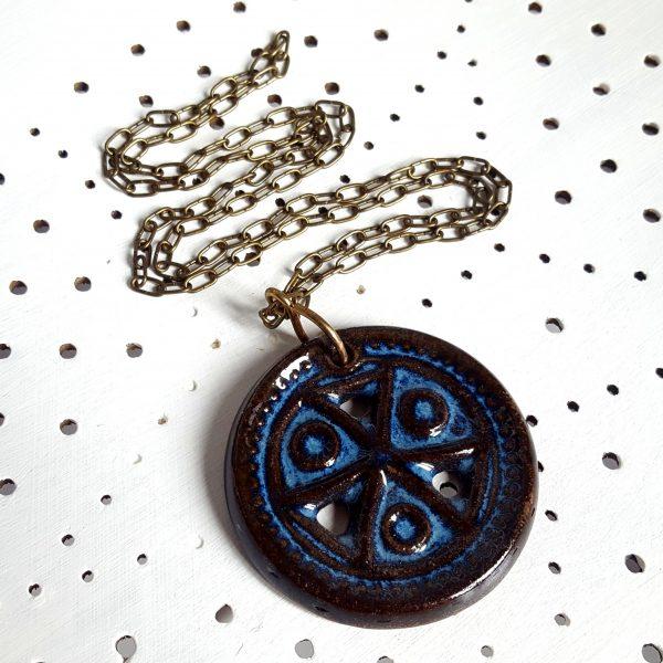 halsband-medaljong-bornholmsk-keramik-michael-andersen-1