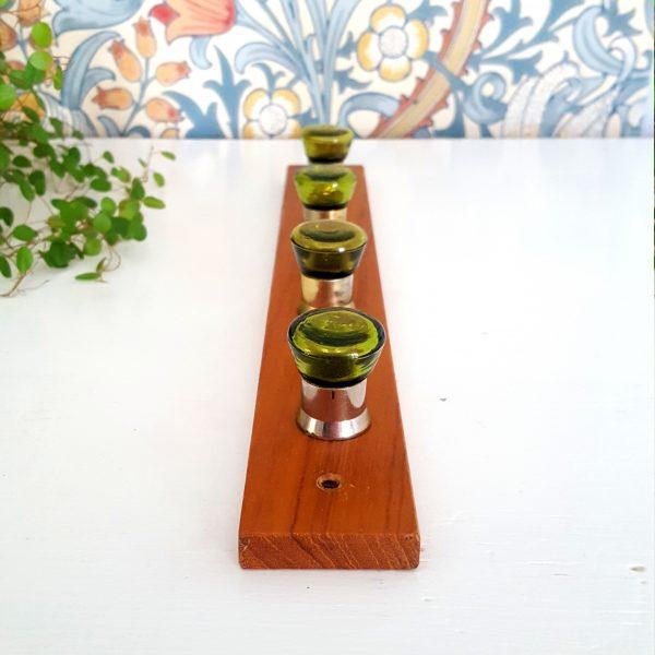 kroklist-hängare-teak-grön-glas-3