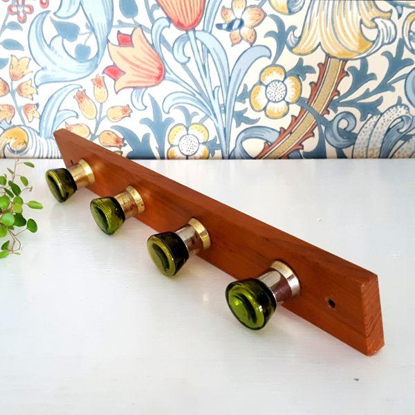 kroklist-hängare-teak-grön-glas-4